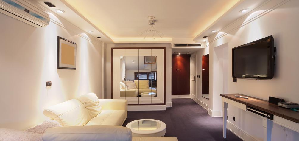 2 – Hotel Room